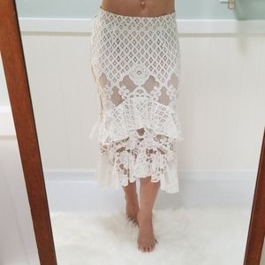CHELSEA28 Laced skirt